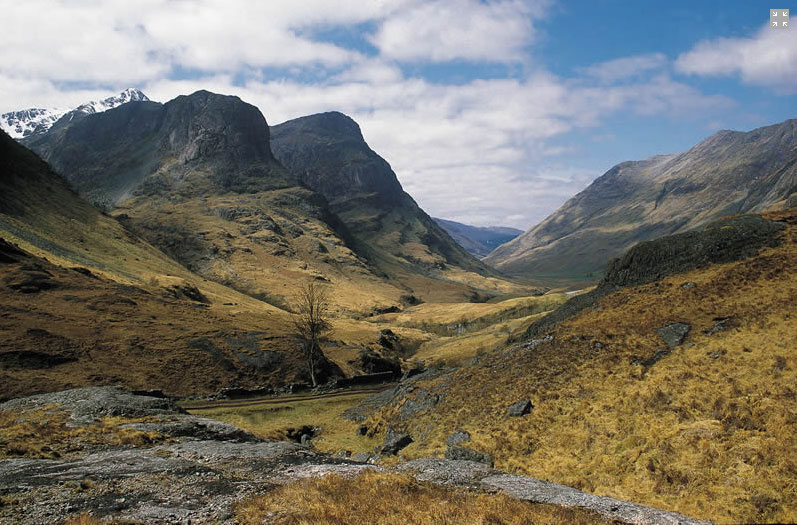 Scottish Highland Lochs, Glens and Whisky Tour Day Tour from Edinburgh